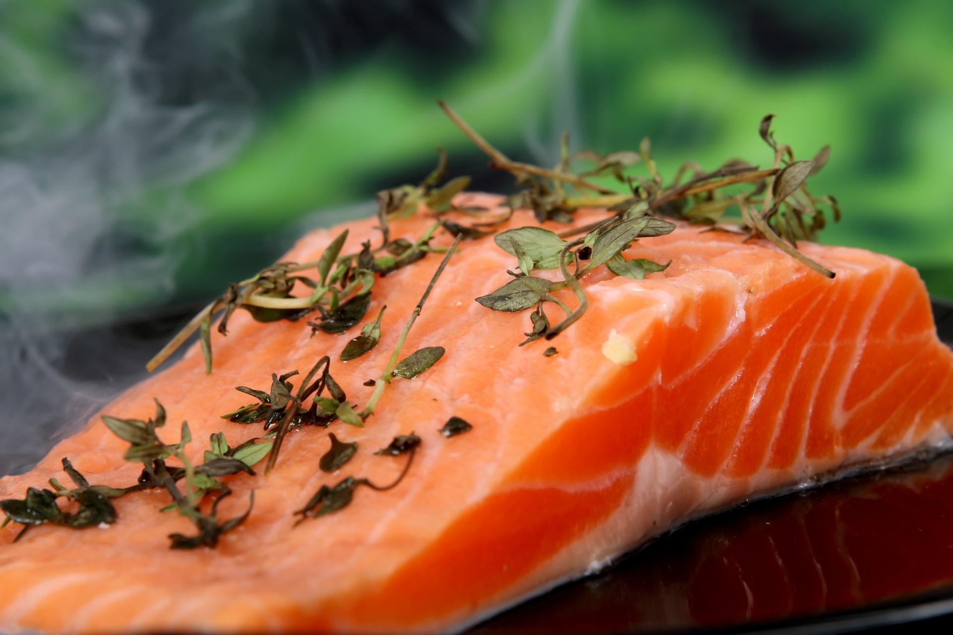 salmão saudável e natural
